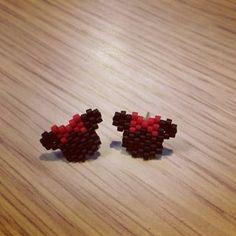 Retour en enfance avec cette paire de boucle d'oreille mini. #miyuki #disney #mini #jenfiledesperlesetjaimeca #jenfiledesperlesetjassume #gamine #boucledoreille #mikey