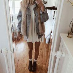 Nice 31 Elegant Winter Outfits Ideas With Fur Vest. More at http://trendwear4you.com/2018/01/05/31-elegant-winter-outfits-ideas-fur-vest/