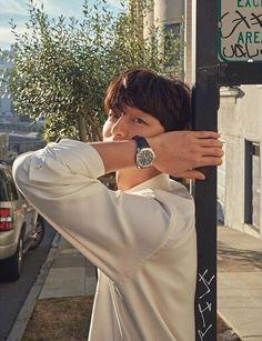 Gong Yoo Smile, Yoo Gong, Gong Li, Goblin Gong Yoo, Goong Yoo, Yoon Shi Yoon, Foreign Celebrities, Nam Joohyuk, Joo Hyuk