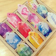 Brighten up your gifts with these gorgeous little swing tags by @rachelkennedydesigns