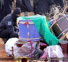 Libye : Daech brule les instruments de musique