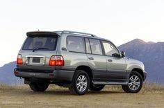 LEXUS LX (1997 - 2007) Description & History:  The replacement on the Canadian and American market for the Toyota Land Cruiser, the Lexus LS second generation still retained most of the body work with its donor car.
