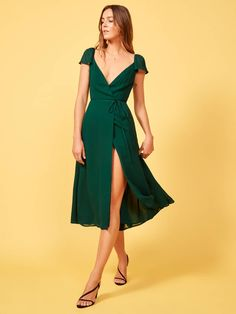 The piper dress. the piper dress chic outfits High Street Fashion, Day Dresses, Casual Dresses, Summer Dresses, Green Dress Casual, Pretty Dresses, Beautiful Dresses, Womens Dress Suits, Ethical Fashion