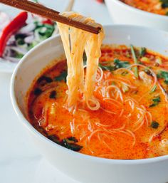 Bring flavor to the dinner table with this recipe for 15 Minute Coconut Curry Noodle Soup! Start with garlic, ginger, red curry, chicken broth, and cilantro to make this warm dish for your family. Think Food, Love Food, Vegetarian Recipes, Cooking Recipes, Healthy Recipes, Vegetarian Soup, Coconut Soup Recipes, Bariatric Recipes, Recipe With Coconut