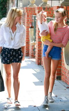 Reese Witherspoon with her look-alike daughter Ava and son Tennessee. So cute!