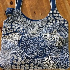 Olympus Sashiko Fabric - Sashiko Placemat Kit 166 - Seven Treasures - Navy - Japanese Embroidery Embroidery Bags, Embroidery Flowers Pattern, Japanese Embroidery, Hand Embroidery Stitches, Hand Embroidery Designs, Embroidery Scissors, Shashiko Embroidery, Boro Stitching, Fabric Bags