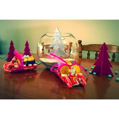 Santa chocolate sleigh!!! Using kit Kats, candy canes, kinder and cadburys as the base model!!
