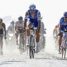 Last Paris-Roubaix and last race as professional cyclist of Tom Boonen. Pro Cycling, Cycling Jerseys, Paris Roubaix, Team Player, Plein Air, Road Bike, Toms, Bicycle, Racing
