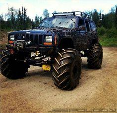 Custom Jeep XJ. Jeep Cherokee mudder - https://www.pinterest.com/dapoirier/4x4-and-trucks/