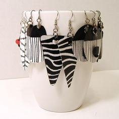 Black, White and Red Hand Painted Paper Earrings by Lee Owenby, featured in Paper Jewelry Round Up - Part One. Paper Bead Jewelry, Paper Earrings, Textile Jewelry, Fabric Jewelry, Enamel Jewelry, Paper Beads, Diy Earrings, Polymer Clay Earrings, Earrings Handmade