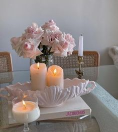 Riads In Marrakech, Spring Day, Geraniums, Flat Design, Room Decor, Glamour, Table Decorations, Interior Design, Instagram