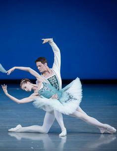 ☆Ballet Ballet Studio, Ballet Art, Ballet Dancers, Tango, Ballet Photos, Dance Movement, Little Ballerina, Ballet Beautiful, Ballet Costumes