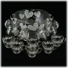 Vintage Glass 14 Piece Punch Set Anchor Hocking Leaves Bowl Base Cups in Box