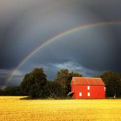 #regnbue #rainbow #arcenciel #farger #stemning #høst #åker #livetpålandet #melhus #tronderbladet #adressa #ilovenorway #natur #nature #blue  #fargefull #nydelig #amazing #beautiful #color #landscapesofnorway