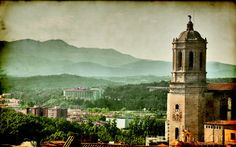 Amazing Spain  : HDR Girona ancient town wallpapers  - Saint Mary's Cathedral in Girona and the surrounding landscape Photos 10