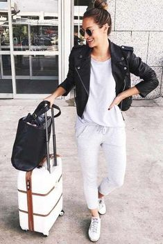 cda9427f2753 Comfy Womens Travel Outfits Ideas You Will Totally Love29