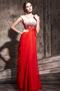 Robe de soirée à A-ligne rouge ornée de strass décolletée en V. Cliquez pour l'acheter :  http://www.persun.fr/robe-de-soiree-a-aligne-rouge-ornee-de-strass-decolletee-en-v-p-2147.html