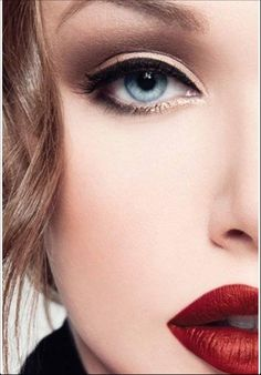Oh well, oh well.. It is so simple, it is so normal. Well, yes I know, but this is one of the few looks I can pull off. Neutral eye and bold lips, the perfect combo for every season every style. #makeup #love