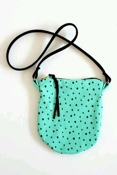 SIDE ° POUCH