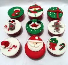 Resultado de imagem para cupcake com fondant natal