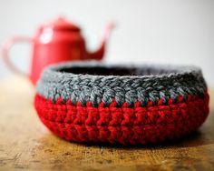 Großer Korb - Utensilo, Schale gehäkelt // crocheted basket by Häkelhäuschen via dawanda.com