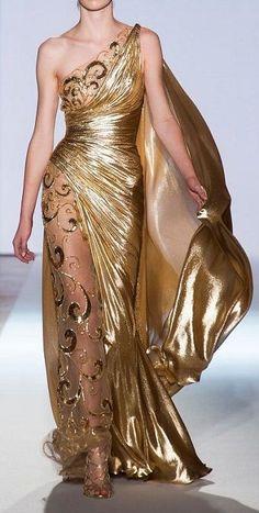Vestido com ouro