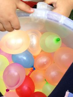 www.motheropedia.com We love this simple sensory bin made out of the simplest materials!