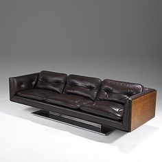 WARREN PLATNER; LEHIGH LEOPOLD; Sofa - Leather, walnut and chrome-plated steel sofa, 1970s