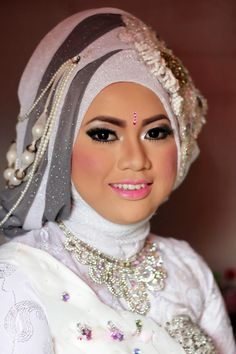 White and Gray Pearled Wedding Hijab Style for Bridals