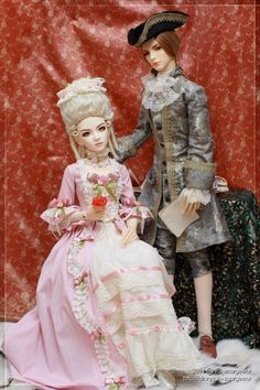 Rococo style for my Zoryana and Leo. Zoryana is i-Doll Byul, Leo is Soom Lazule. Both are customized by me. Faceup, mods, wigs, clothes and shoes are also by me.