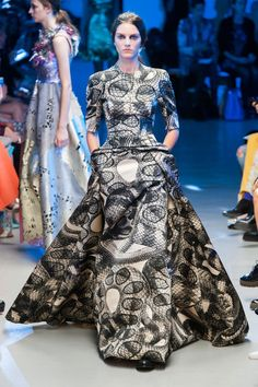 Pin for Later: The Most Gorgeous Gowns From Fashion Weeks Around the World Giles Spring 2015