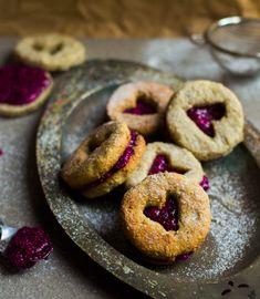 Coconut cookies w& pink pitaya jam. Coconut cookies with pink dragon fruit jam. Can be raw or baked! Fruit Cookies, Coconut Cookies, Pitaya, Pink Dragon Fruit, Raw Vegan Desserts, Vegan Food, Vegan Recipes, Vegan Treats, Vegan Baking