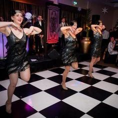 Book The Extravagant Gatsby Dancers for hire. Hire our Great Gatsby dancers for events, corporate functions or Gatsby-themed events in the UK & London. Roaring 20s Party, Gatsby Themed Party, 1920s Party, Great Gatsby Party, 1920s Wedding, Party Wedding, Wedding Photography Poses, Wedding Poses, Wedding Couples