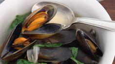 Mussel and chilli leaf broth All Recipes Chili, Easy Fish Recipes, Easy Cooking, Cooking Recipes, Mussels Seafood, Chilli Plant, Gluten Free Chilli, Filipino Recipes, Filipino Food