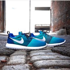 more photos aa5f6 3a5db Nike roshe run shoes for women and mens runs hot sale. Browse a wide range  of styles from cheap nike roshe run shoes store.
