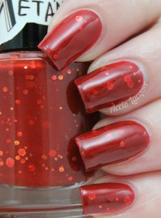 Accio Lacquer: Meta'metics (Honey, You Should See Me in a) Crown