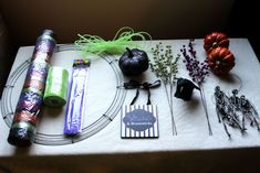 How to make a Halloween Deco Mesh Wreath Tutorial    Big Bears Wife   www.bigbearswife.com