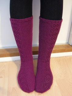 Knitted socks Hennin, Knitting Socks, Knit Crochet, Crocheting, Knit Socks, Crochet, Ganchillo, Knits, Lace Knitting