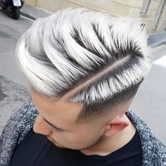 The top short hairstyles for men for the year 2018 are eye-catching and somewhat sophisticated. Today the short mens hairstyles have become particularly. Young Men Haircuts, Haircuts For Long Hair, Hairstyles Haircuts, Cool Hairstyles, Latest Hairstyles, Gorgeous Hair Color, Cool Hair Color, Hair And Beard Styles, Short Hair Styles