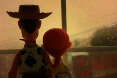 :33 Disney Pixar Movies, Disney Toys, Baby Disney, Disney Stuff, Toy Story Frases, Woody Y Jessie, Jessie Doll, Disney Presents, Favim