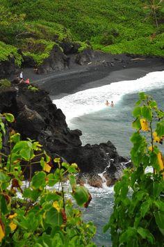 Black sand beach, Waianapanapa State Park, on the road to Hana