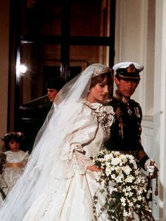 July Lady Diana Spencer marries Prince Charles at St. Paul's Cathedral in London. The day Diana Spencer started to die.Except for affairs w/Bryan Adams among the few. Ever notice how mucb Prince Harry and Bryan Adams look alike ? Charles And Diana Wedding, Prince Charles And Diana, Prinz Charles, Prinz William, Lady Diana Spencer, Prince And Princess, Princess Of Wales, Princess Leia, Prince Harry