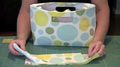 Making Amy Butler's Chelsea Bag - I've always wanted to know how to make this handle!
