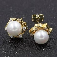 Beautify your look by adorning these super stylish pearl stone ear studs Swarovski Jewelry, Pearl Jewelry, Indian Jewelry, Antique Jewelry, Jewelery, Fine Jewelry, Pearl Earrings, Gold Jewelry, Diamond Necklace Set