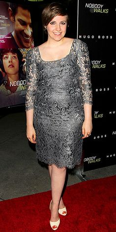 Check out the head-turning outfits Scarlett Johansson, Gwyneth Paltrow and more stars were just spotted in! Then decide – fabulous or fashion fail? Fashion Fail, Fashion Styles, Lena Dunham Girls, She Is Gorgeous, Gwyneth Paltrow, Night Looks, Scarlett Johansson, Role Models, My Idol