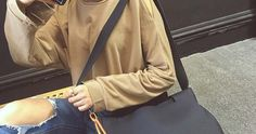Rp 166.000Details :Material : PUWeight : 0.5 KgDimension : 36 x 28 x 14cm ---------------------------Order WA
