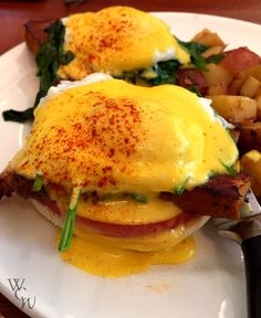 Windy City Wanderlust - Eggs Benedict with pork belly from Meli Cafe in Greektown, Chicago