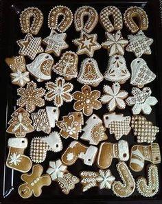 Zobrazit detail - Recept - Medovníčky ktoré se neroztékajú Christmas Sweets, Christmas Cooking, Christmas Gingerbread, Christmas Decorations, Xmas, Horse Treats, Gingerbread Man Cookies, Cookie Decorating, Diy And Crafts