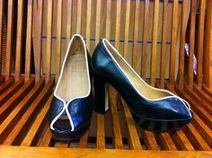Zapatos de la firma Wonders fabricados en España