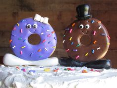Custom Donut Wedding Cake Toppers Bride and Groom Donuts with Feet Doughnut Wedding Cake Donut Cake Toppers Doughnut Wedding Bar Donut Tower - Donut Wedding Cake - Donuts Doughnut Wedding Cake, Wedding Donuts, Doughnut Cake, Wedding Cake Toppers, Wedding Cakes, Coffee And Bagel, Donut Tower, Cake Tower